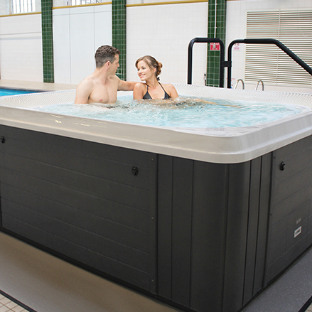 commercial hot tubs & spas